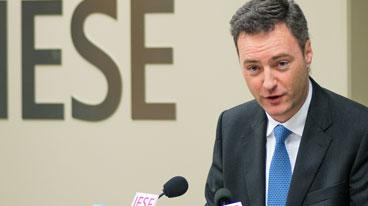 Cátedra de Dirección de Instituciones Financieras y Gobierno Corporativo Grupo Santander
