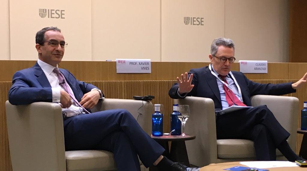 Michael Liebreich y el prof. Xavier Vives, en el 1er Encuentro Energy Prospectives