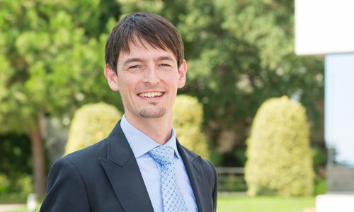 Sebastian Reiche, medalla de plata del <em>Journal of International Business Studies</em>