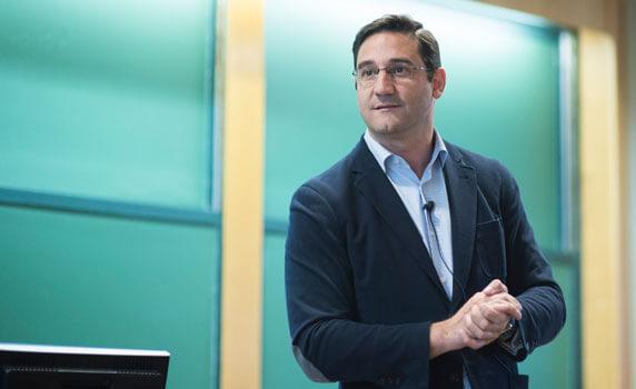 Luis Ferrandiz | IESE Business School