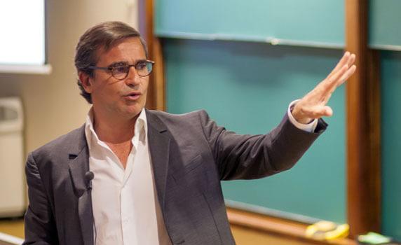 Manuel Puig, vicepresidente del grupo Puig   IESE Business School