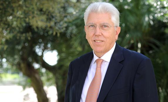 Josep Tàpies   IESE Business School