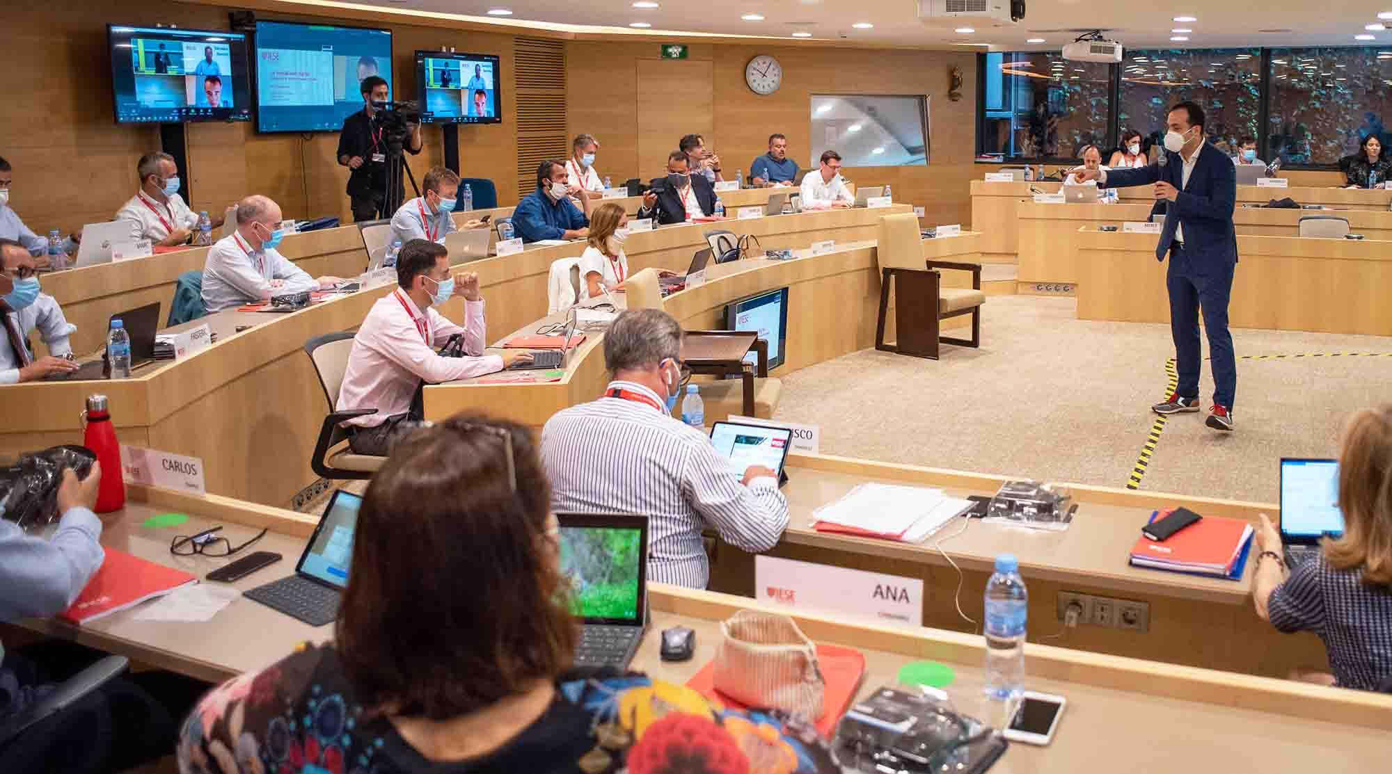 Los directivos vuelven a las aulas del IESE en Madrid y Barcelona