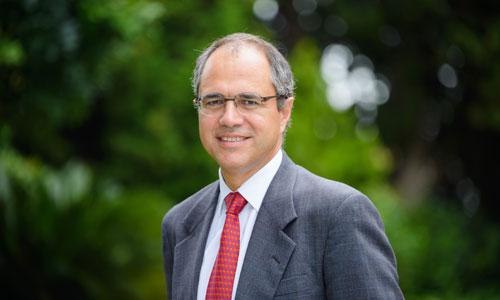 Antonio Dávila, entre los autores más vendidos de The Case Center