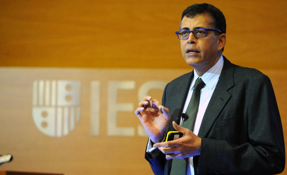 "managing differences pankaj ghemawat Pankaj ghemawat is the anselmo rubiralta professor of global strategy at iese business school and the jaime and josefina chua tiampo ""managing differences:."