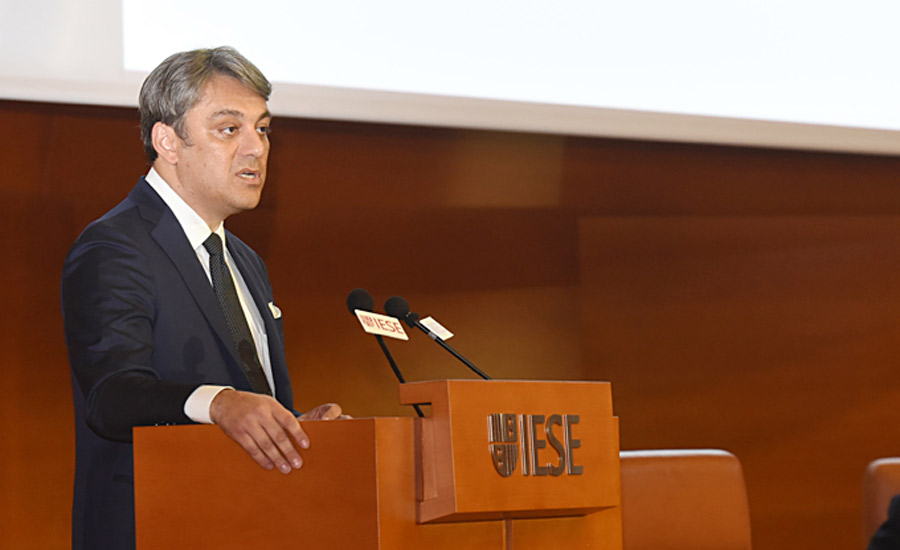Luca de Meo | IESE Business School