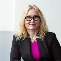 Renée Adams